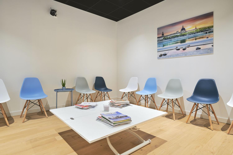 Espace_Rhone_salle_d'attente_Rhone_LYON_FRANCE_qualitatives_marketing_facilities_Qualitative_viewing_facilities